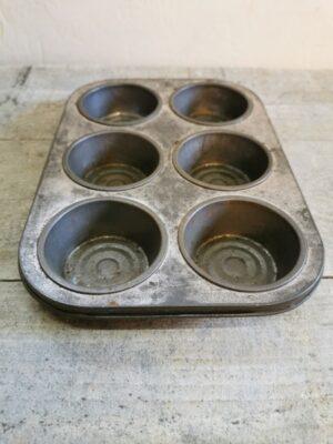 Metalen oude bakvorm